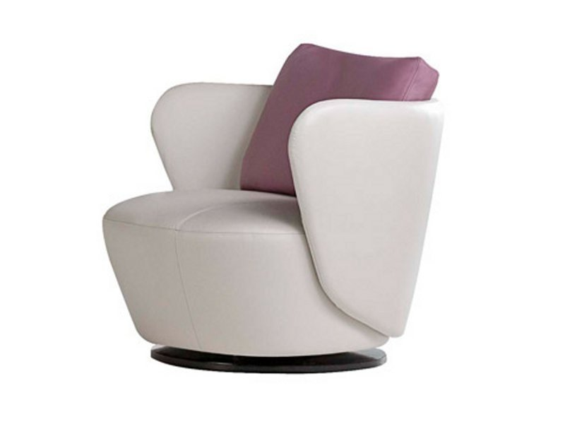 fauteuil pivotant en cuir ovalis collection les contemporains by roche bobois. Black Bedroom Furniture Sets. Home Design Ideas