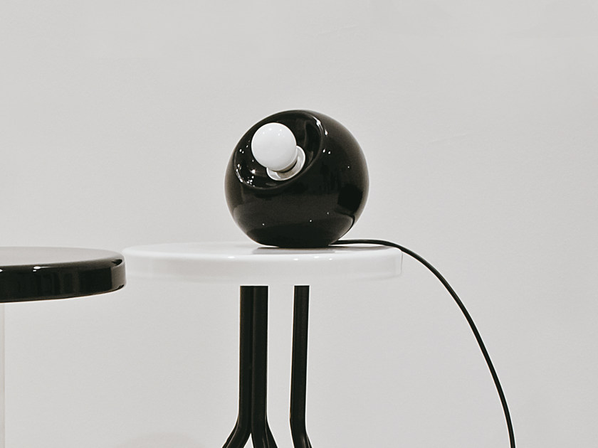 Ceramic countertop or wall-hung LAMP Bool with bulb available in 12 different colours