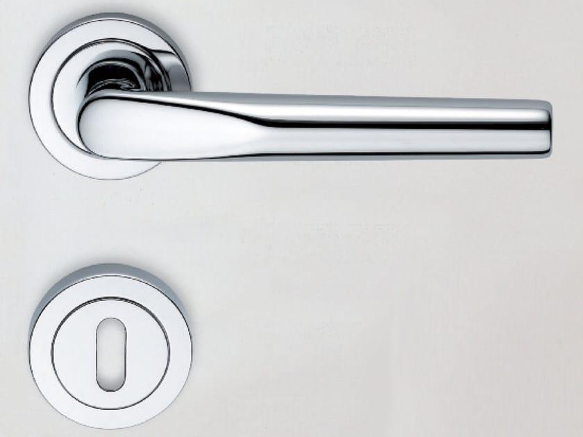 Aluminium door handle CUT | Door handle by KLEIS