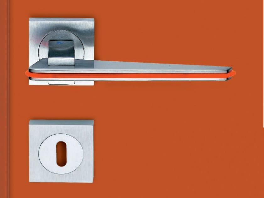 Metal door handle with lock TRATTO QUAD | Door handle - KLEIS