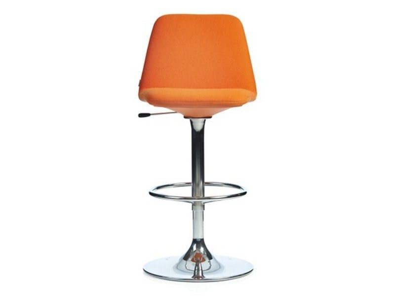Height-adjustable swivel stool VINGA | Height-adjustable stool - Johanson Design