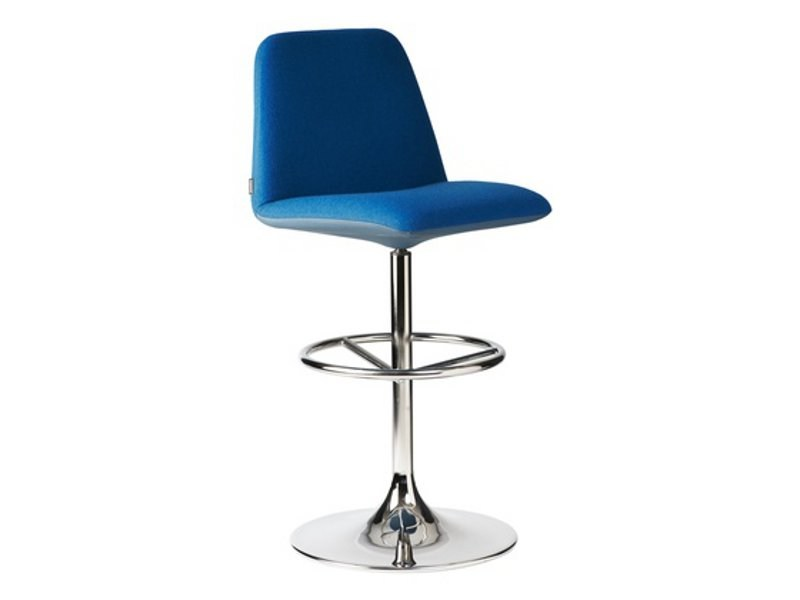 Swivel stool with footrest VINGA | Stool - Johanson Design