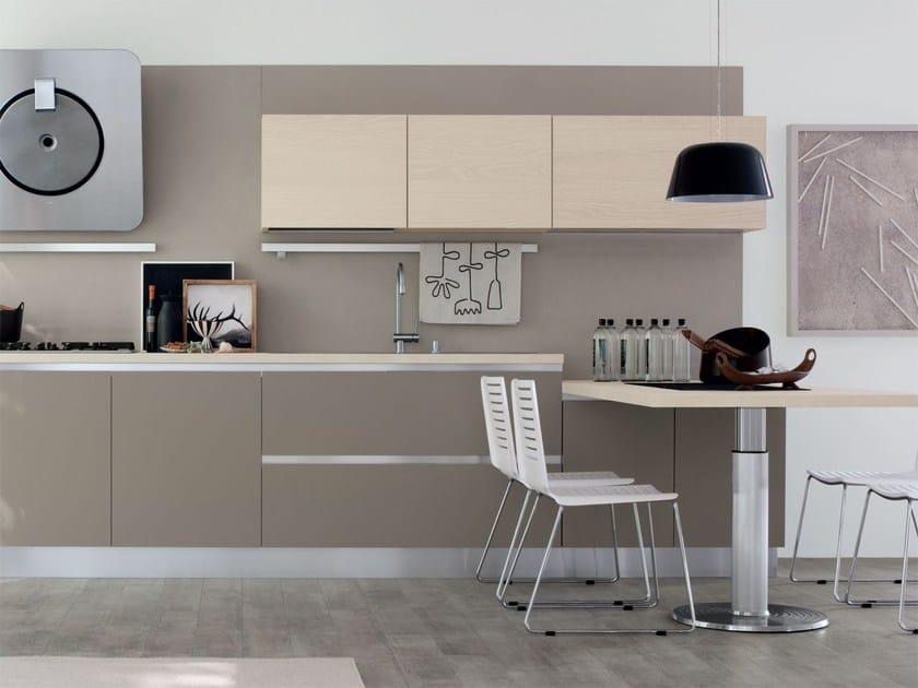 Cucina componibile in legno senza maniglie essenza cucina componibile cucine lube - Cucina senza maniglie ...