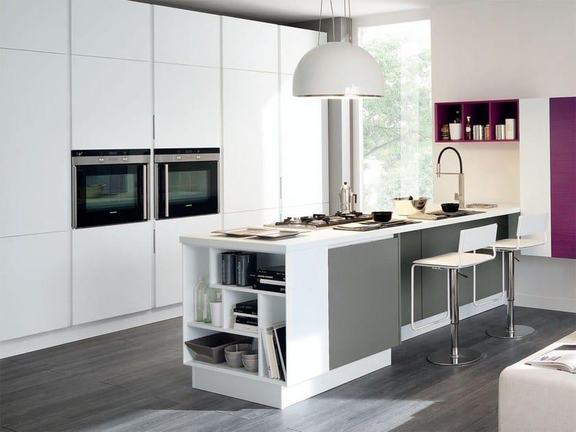 Cucina componibile in legno senza maniglie ESSENZA   Cucina in legno ...