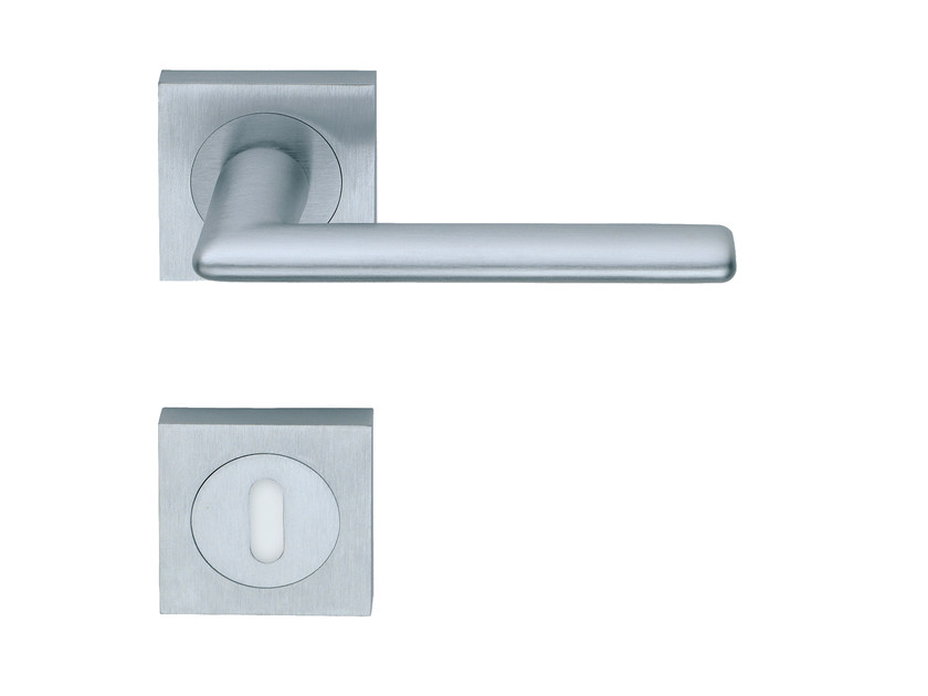 Door handle on rose with lock VERONA QUAD | Door handle - RDS