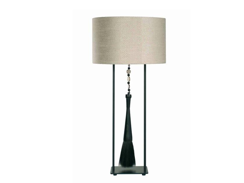 lampe de table en soie vong collection nouveaux classiques by roche bobois design patricia santos. Black Bedroom Furniture Sets. Home Design Ideas