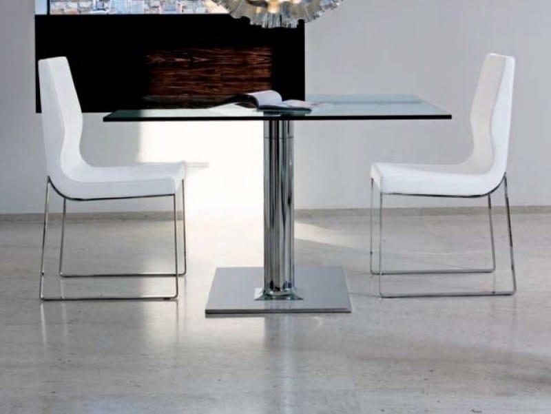 Tavolo allungabile quadrato plinto by bonaldo design for Tavolo quadrato allungabile design