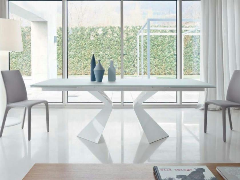 Extending rectangular table