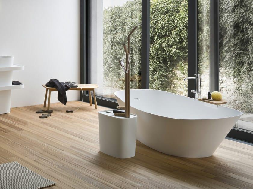 Vasca da bagno centro stanza ovale in korakril fonte for Stanza da bagno