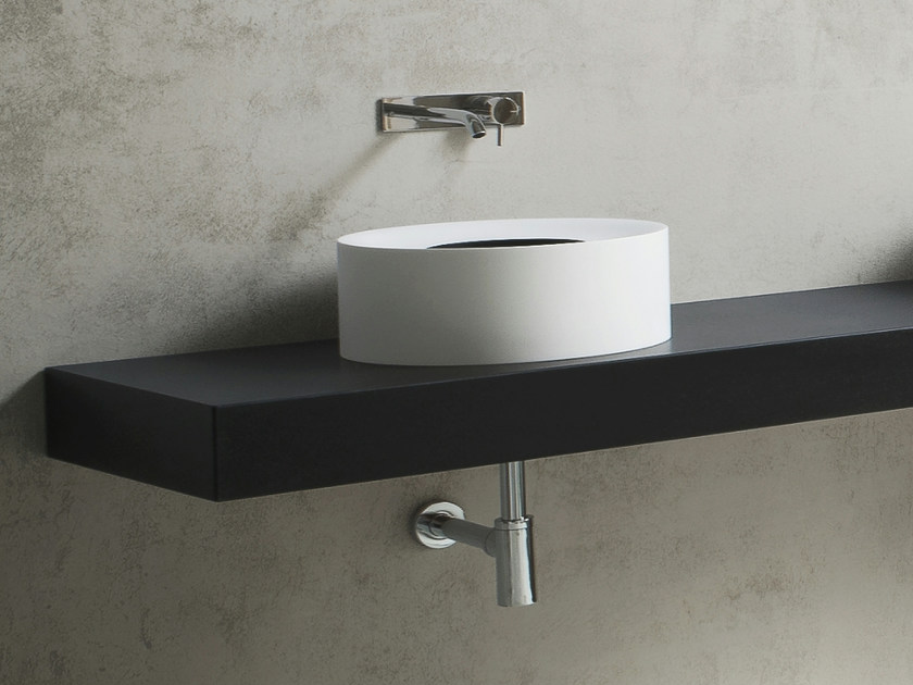 Countertop round Korakril™ washbasin HOLE | Countertop washbasin by Rexa Design