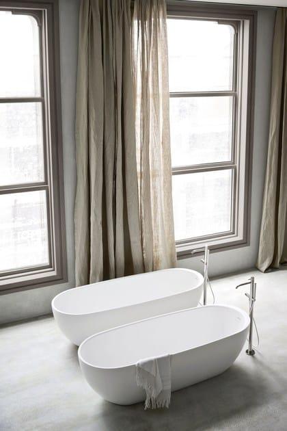Vasca da bagno centro stanza ovale in Korakril™ HOLE  Vasca da bagno centro stanza - Rexa Design