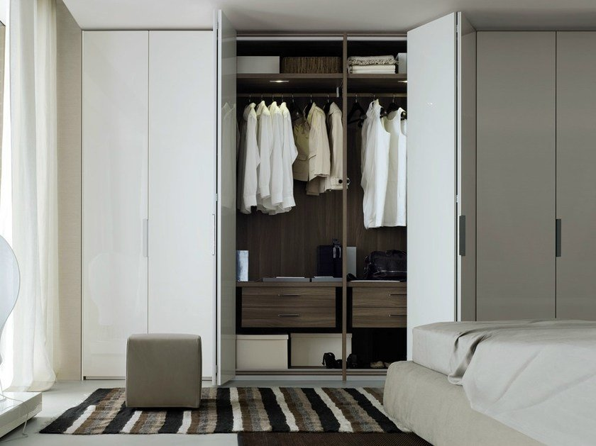 Lacquered wardrobe with folding doors