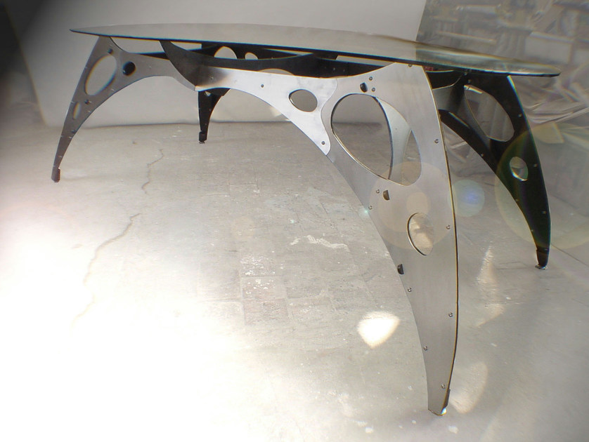 Oval steel table BRIDGE - ICI ET LÀ