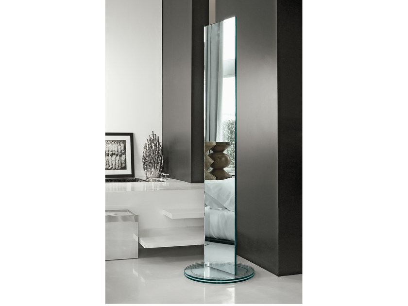 Freestanding rectangular mirror soglia by t d tonelli for Miroir 40x140