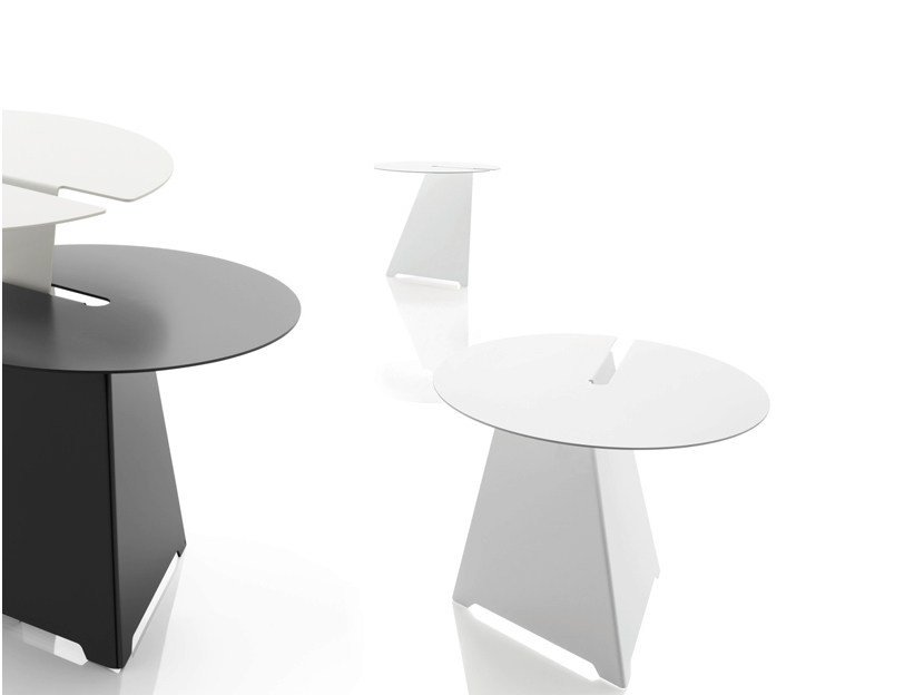 Round steel coffee table ABRA - B-LINE