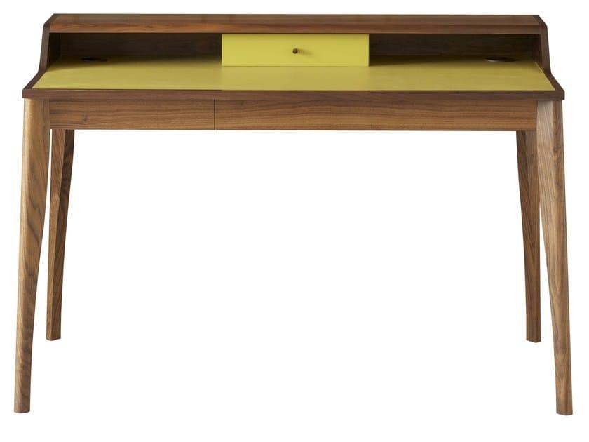 Sekret r aus massivem holz yves by pinch design russell for Schreibtisch yves pinch