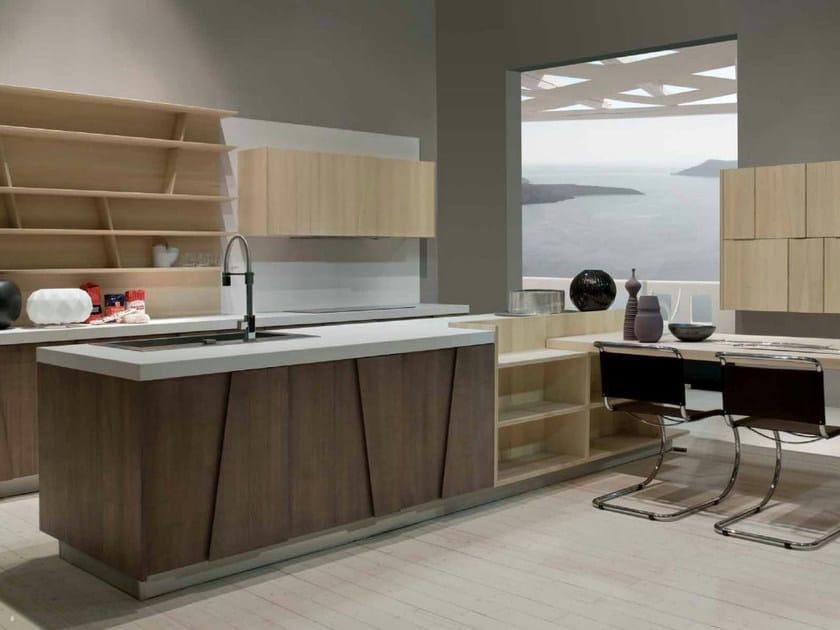Cucina Con Doppi Pensili : Cucina in legno massello trapezio by grattarola design