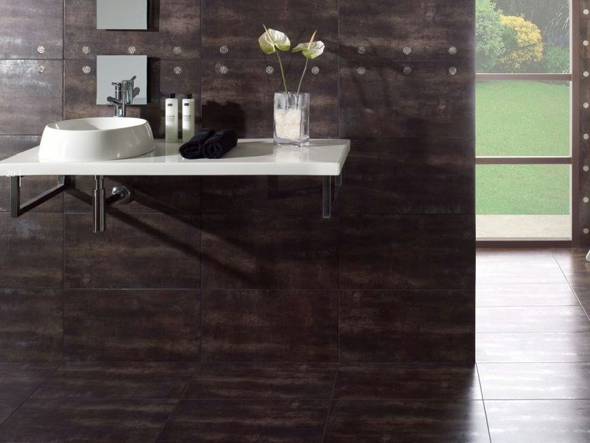Porcelain stoneware wall/floor tiles OXIDO by REALONDA