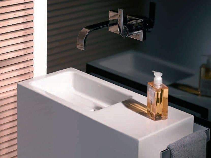 Mueble bajo lavabo de pi colecci n wp by alape for Mueble lavabo pie