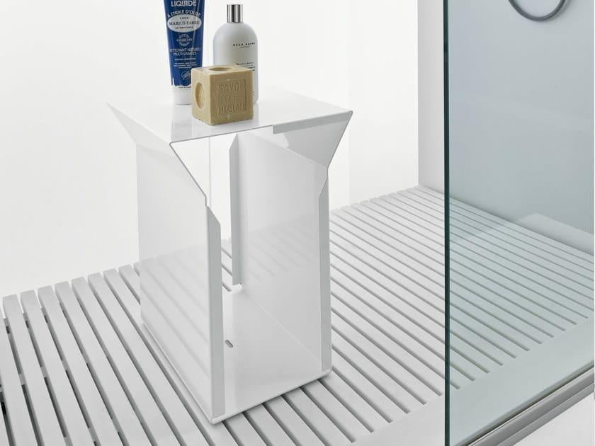 Taburete para baño de metal TYPE | Taburete para baño de metal - MAKRO