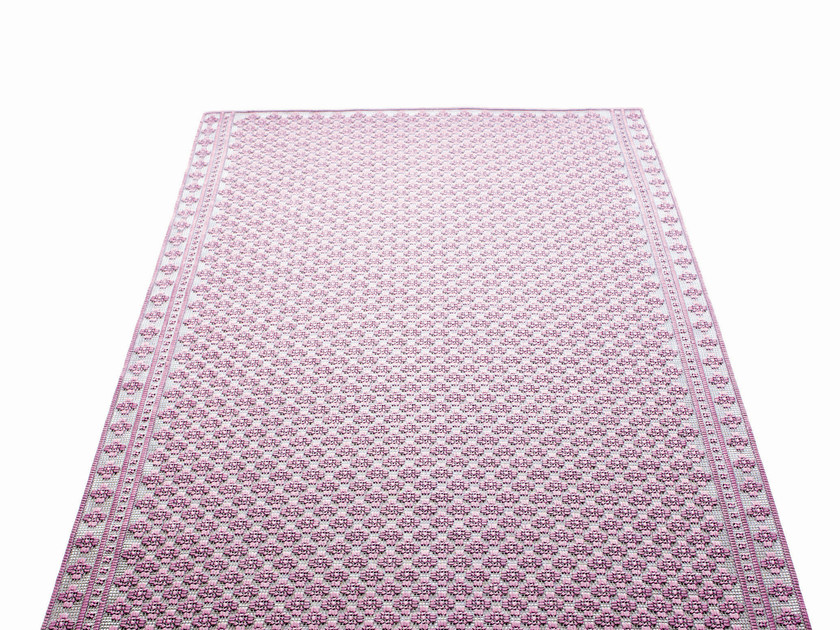 Handmade outdoor rug GIARDINO by Paola Lenti