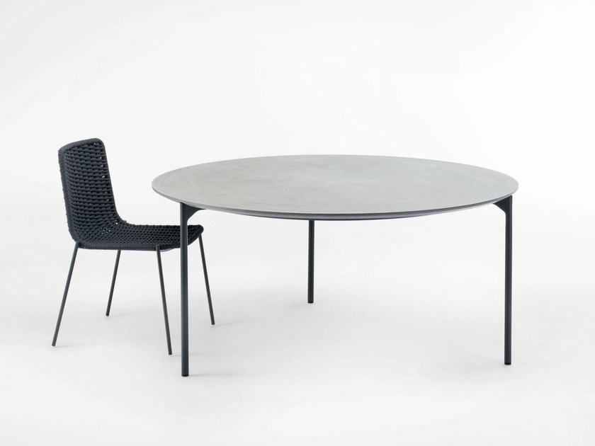 Round Accoya® wood garden table PLANO by Paola Lenti