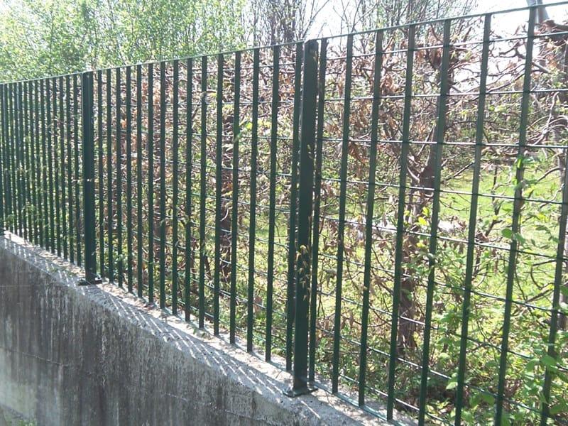 Recinzione modulare in acciaio plusar grigliati baldassar for Baldassar recinzioni