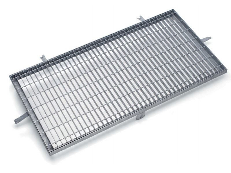 Manhole cover and grille for plumbing and drainage system DOG - GRIGLIATI BALDASSAR