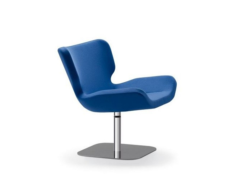 Swivel upholstered easy chair SHE 067 by Tonon