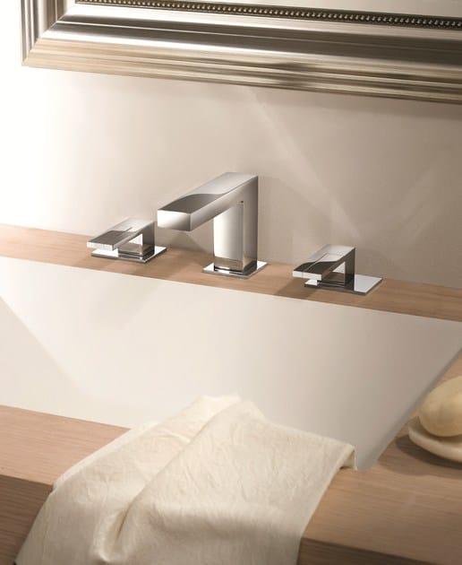 Rubinetto per lavabo a 3 fori da piano ar 38 rubinetto for Rubinetti per lavabo