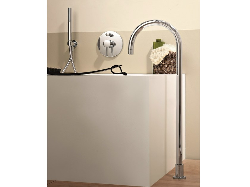 Floor standing bathtub mixer with hand shower NOSTROMO | Floor standing bathtub mixer by Fantini Rubinetti