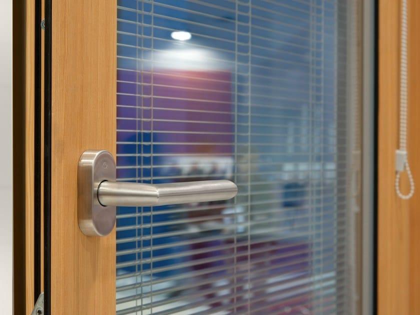 Finestra in alluminio e legno con veneziana integrata - Finestre con vetrocamera ...