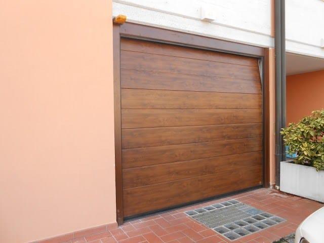 Portone da garage in acciaio cupis breda for Piani porta garage gratuiti