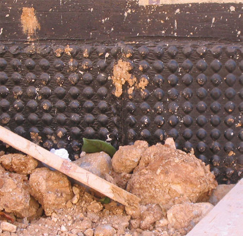 membrana impermeabilizzante per muri controterra