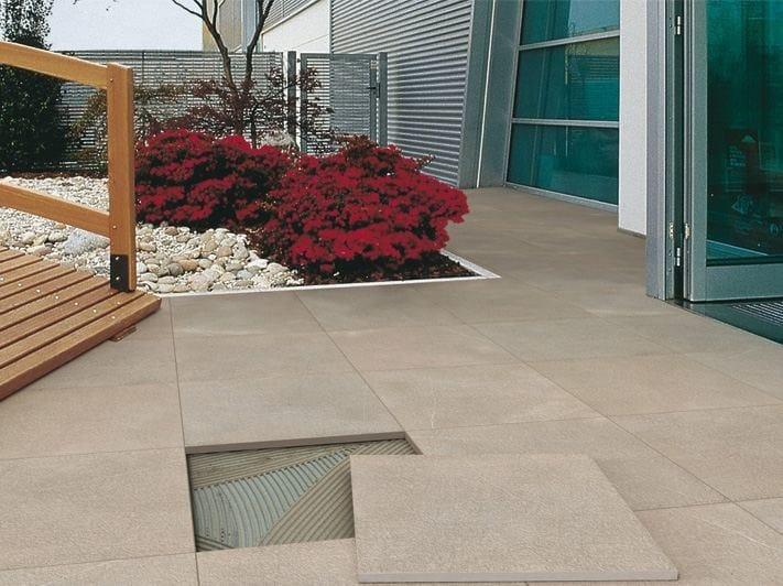 Pavimento per esterni in gres porcellanato effetto pietra cm2 pietra piasentina by ariostea - Gres porcellanato esterno prezzi ...