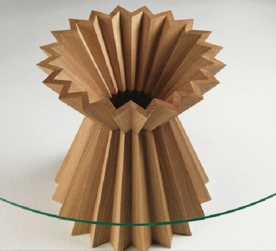 runder esstisch aus holz superstar by linfa design design. Black Bedroom Furniture Sets. Home Design Ideas