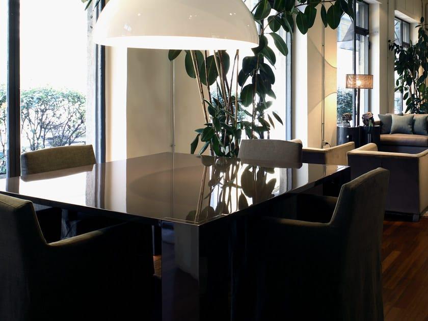 Tavolo da pranzo quadrato in legno brando tavolo - Tavolo da pranzo quadrato ...