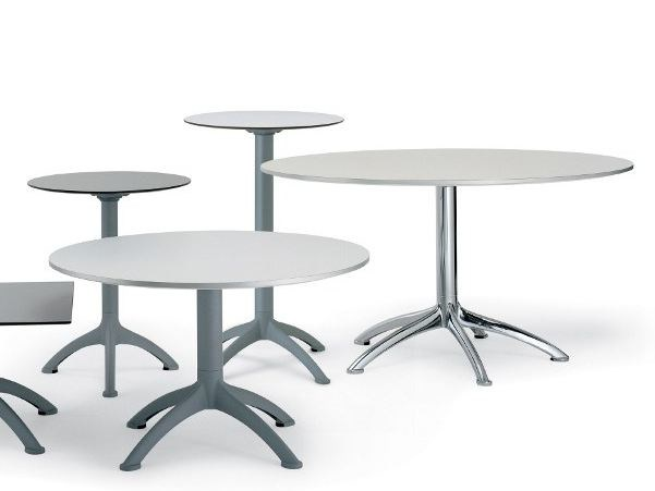 Round die cast aluminium table K3 by Segis