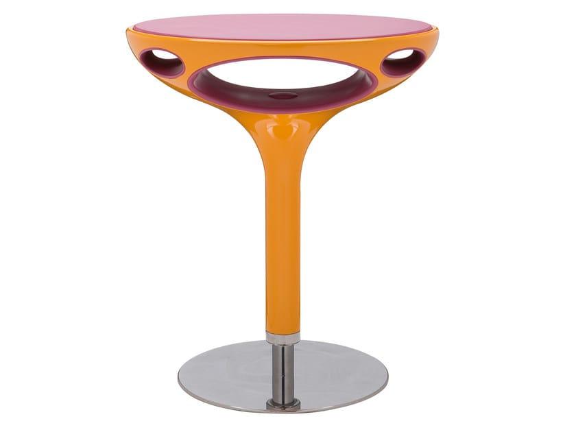 Round polyurethane coffee table