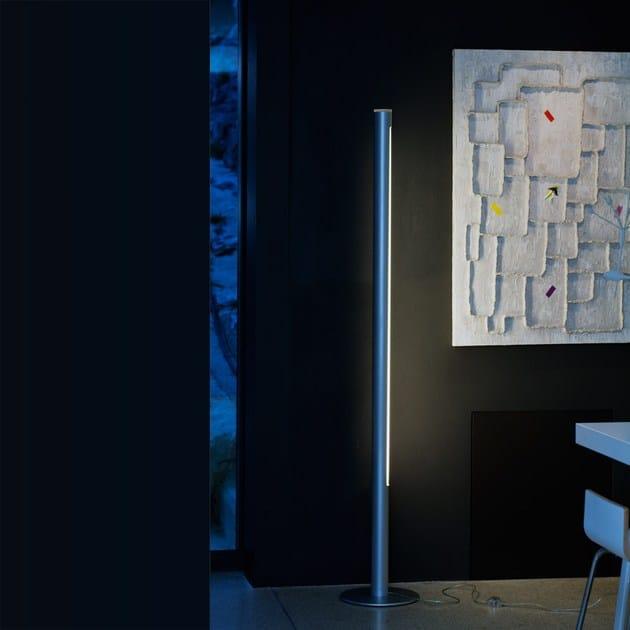 Aluminium floor lamp PISTILLO | Design floor lamp by Martinelli Luce