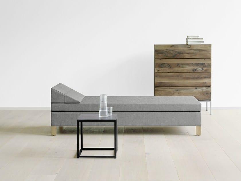 Upholstered fabric day bed SENCKENBERG - e15