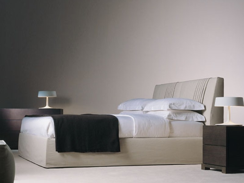 Upholstered double bed with removable cover