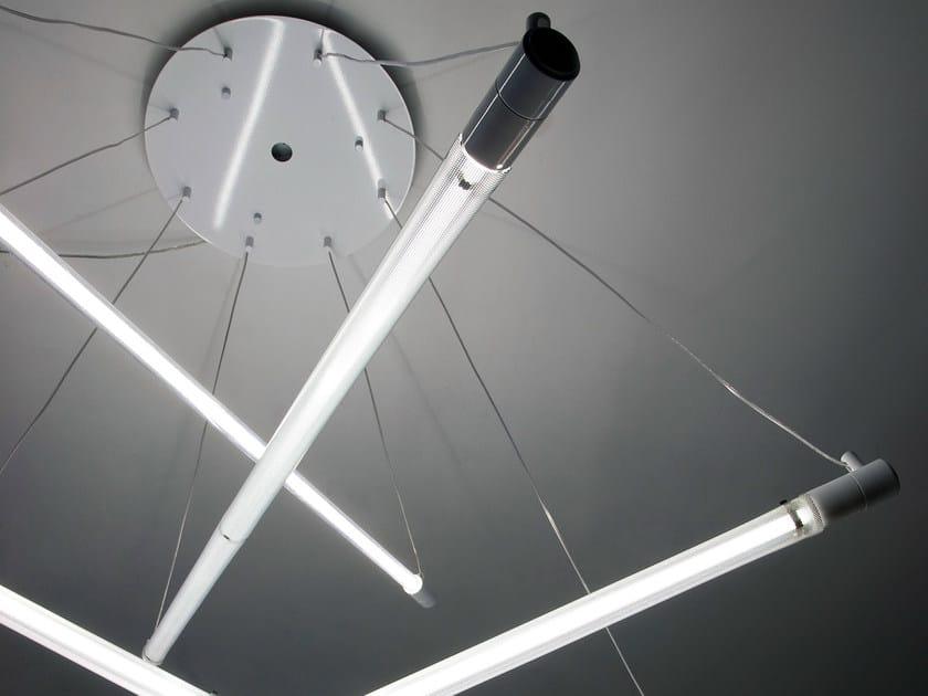 Lampada a sospensione fluorescente in policarbonato for Lampade a led grandi
