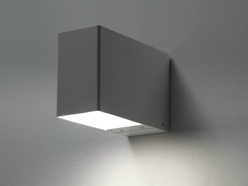 Direct-indirect light wall lamp