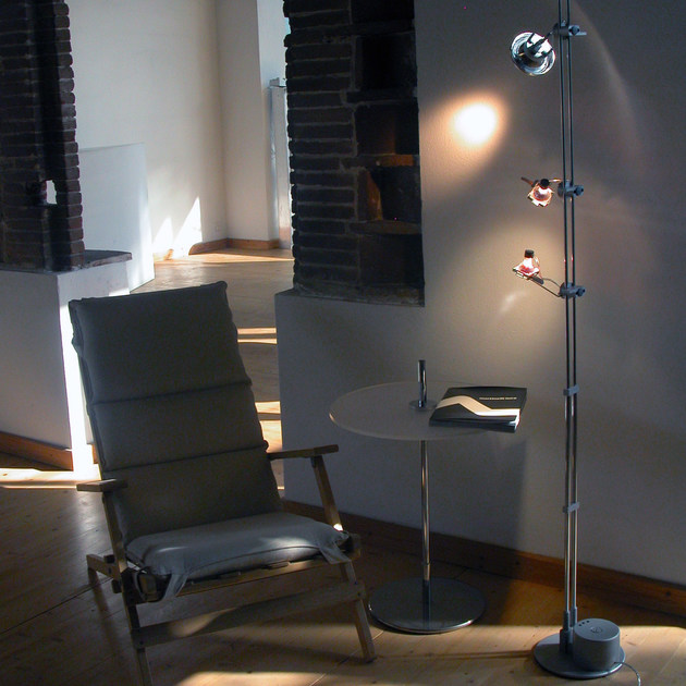 Low voltage halogen floor lamp