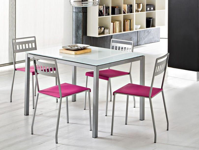 Sedia impilabile in acciaio satinato ray collezione sedie for Sedie struttura acciaio satinato