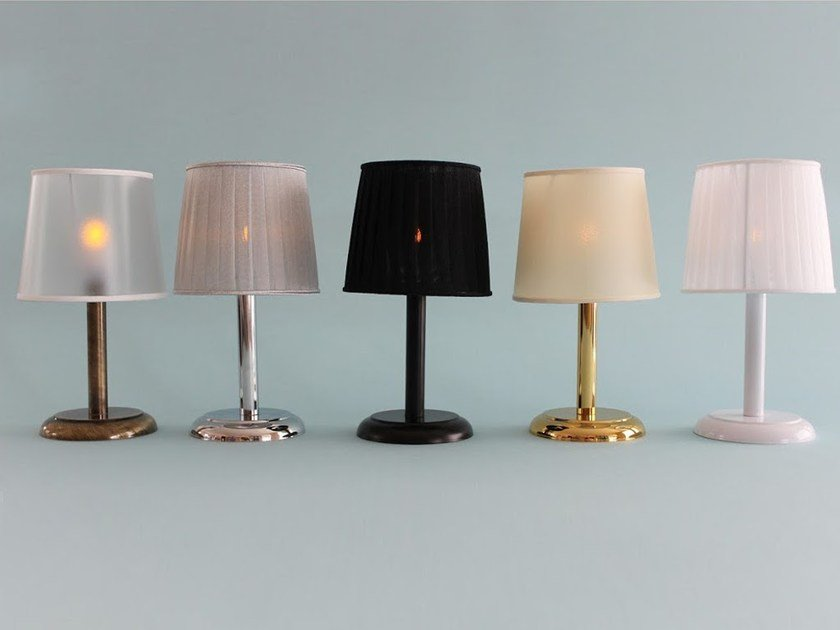 lampada da tavolo a led illuminazione completa lampada