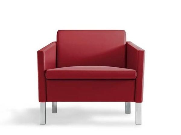 Leather armchair with armrests LOUNGE | Armchair - MASCAGNI
