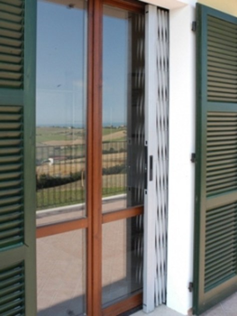 Inferriata di sicurezza estensibile briareo dibi porte for Dibi porte blindate
