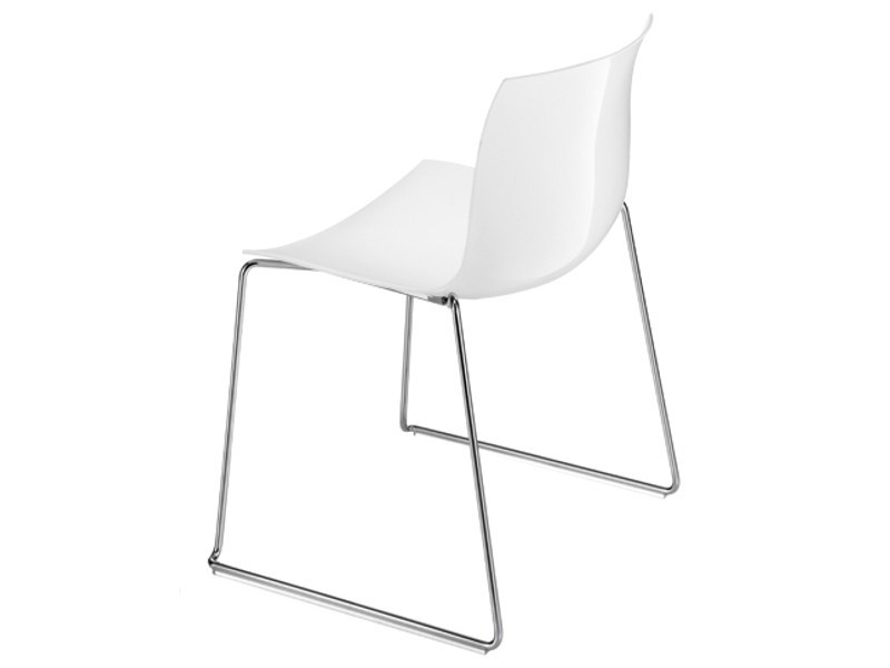 Sled base stackable chair CATIFA 53 | Sled base chair by arper